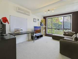 View profile: Fabulous 3 Bedroom Townhouse