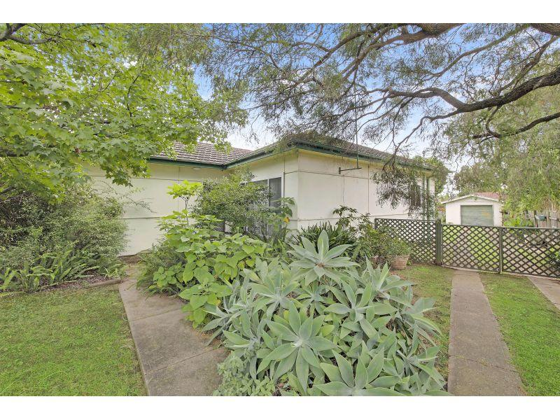 Huge 632sqm Block- Walk to Station!