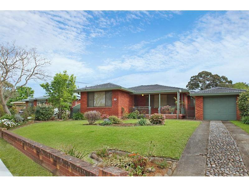 Top Quality Brick Home - Walk to Station