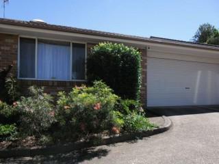 View profile: Huge Villa - Double Garage!