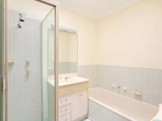 View profile: Three bedrooms and minutes to Station!