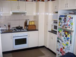 View profile: Close to transport and shopping!