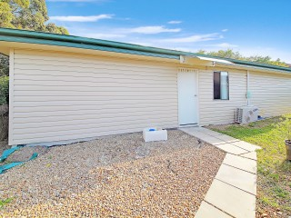 View profile: 4 Bedroom & Granny Flat Walk to Station