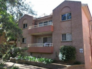 View profile: Fantastic Unit-Walk to Station!  & Airconditioned