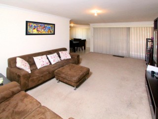 View profile: 2 Bed 2 Bath Next to Station!