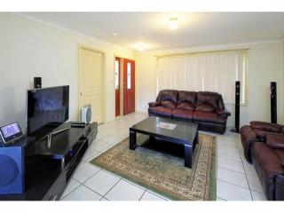 View profile: Torrens Title- 3 Bedrooms 2 Bathrooms!