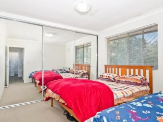 View profile: Just Like New- Walk to Station!