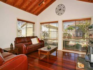 View profile: Auction This Saturday - GLAMOROUS FAMILY HOME