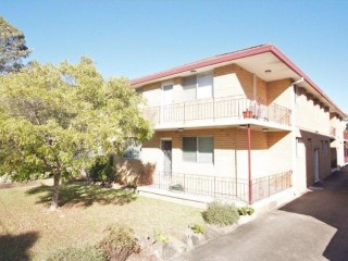 View profile:  2 BEDROOM UNIT, EXCELLENT LOCATION IN PEACEFUL SETTING