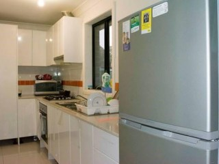 View profile: Modern Granny Flat! 10 Minutes' Walk to Station!
