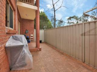 View profile: Fabulous 3 bedroom townhouse walk to Westmead Hospital