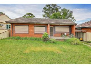 View profile: CONVENIENTLY CLOSE TO TRANSPORT AND WELL PRICED!
