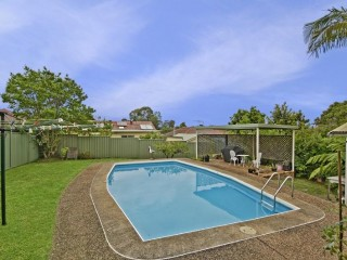 View profile: Walk to Station! Plus Pool!