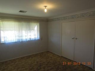 View profile: 4 BEDROOM BRICK HOME