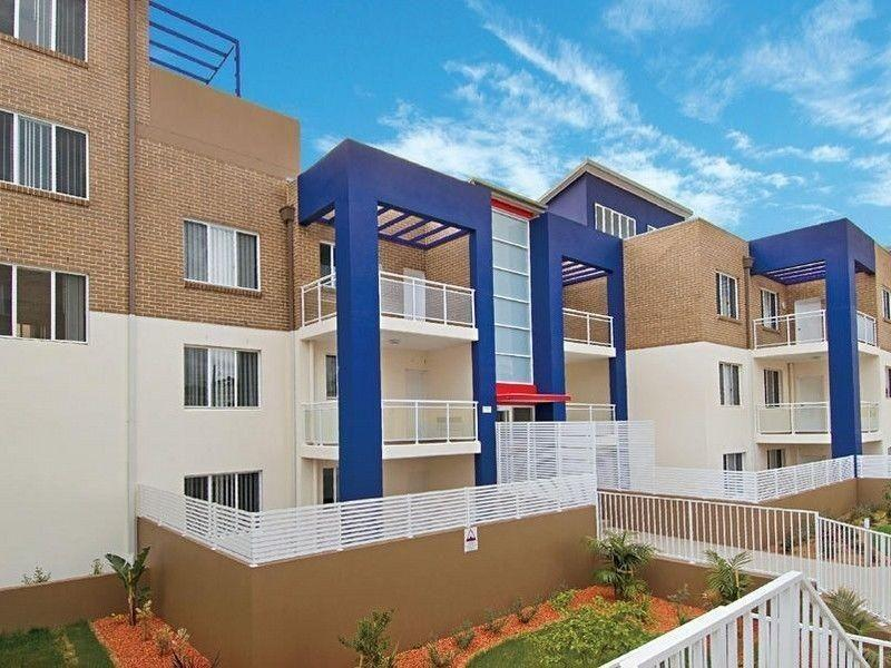 Impeccable Units - Walk to Station! GIRRAWEEN PRIMARY & HIGH CATCHMENT AREA!