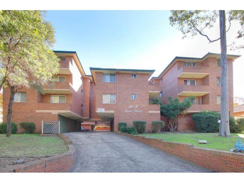 3 Bedroom Unit – Walk to Station