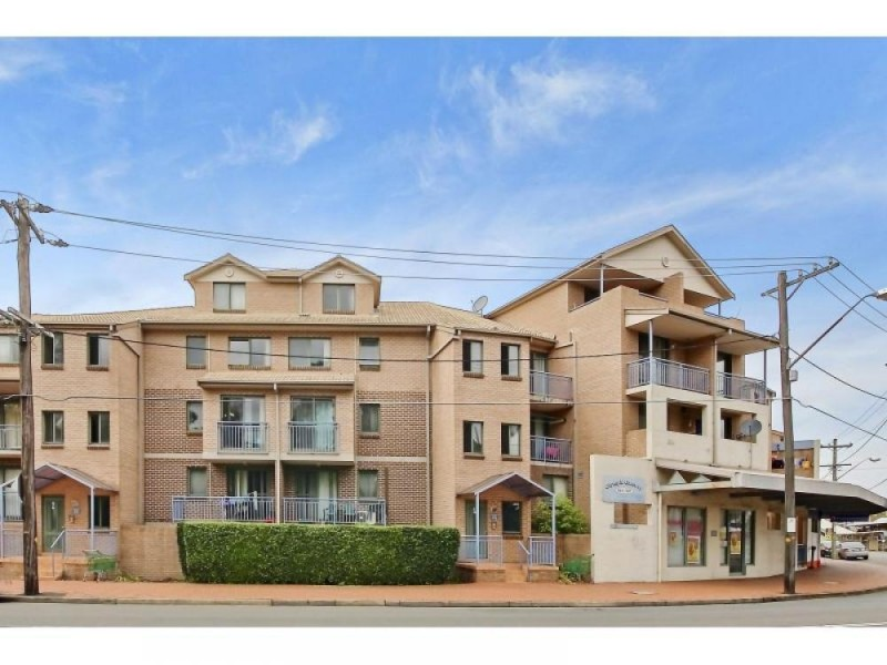 Lovely two bedroom unit!!!