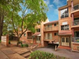 View profile: North Facing Unit - Walk to Station!