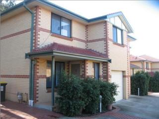 View profile: 3 Bedroom Townhouse in Outstanding Location