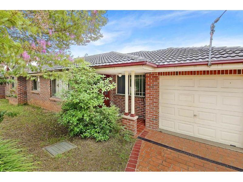 Torrens Title- 3 Bedrooms 2 Bathrooms!