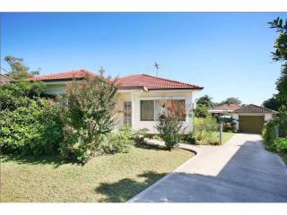 View profile: Great Location - 2 Bedroom Home