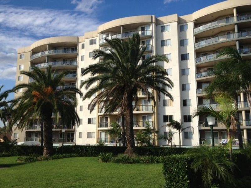 Stunning Executive Apartment!