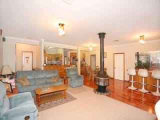 View profile: Outstanding Location! In the Heart of Wentwrthville
