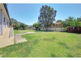 View profile: Large 5 Bedrooms Brick Home! Huge 828sqm Block