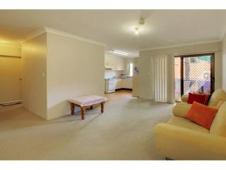 View profile: Fresh on the Market! Walk to Station