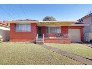 View profile: Brick Home! Walk to Station!