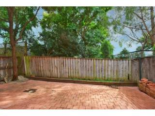 View profile: Great Townhouse with Over sized Courtyard