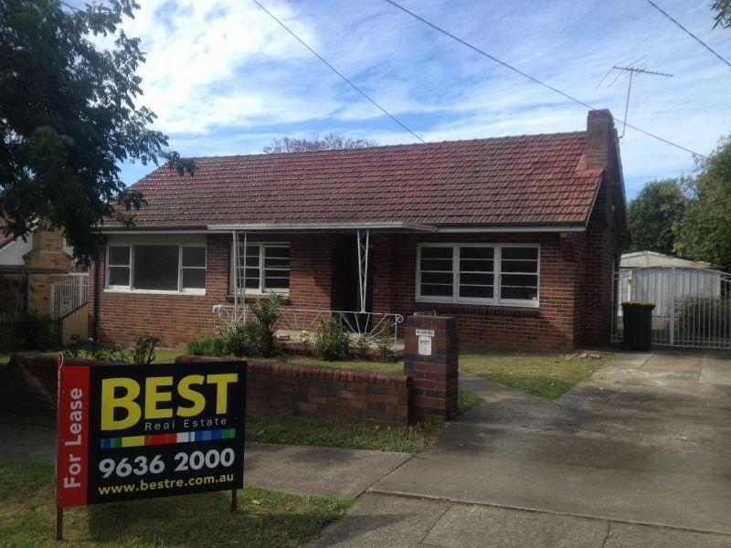 3 bedroom home In the Heart of Westmead!
