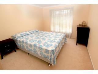 View profile: Huge 3 Bedroom & 2 bathroom!