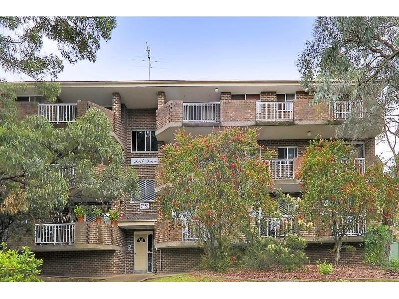 Outstanding Location! Close to Station